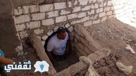 مستشار محافظ أسيوط يفتح قبر والديه وينام داخله ساعة كاملة