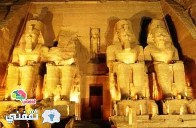 تماثيل الآلهة الفرعونية في معبد أبو سنبل
