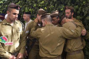 جندي إسرائيلى يرفع الأذان وسط الجيش ! من هو ؟ ولماذا فعل ذلك ؟ وما تصرف السلطات معه ؟