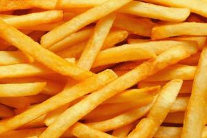 طريقة عمل البطاطس المحمرة والمقرمشة بدون نقطه زيت مثل كنتاكي