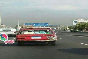 بالصور | معجزة حقيقية وصول معتمر ووالدته لدولة السعودية بسيارة عمرها  41 عام وسط ذهول السعوديين