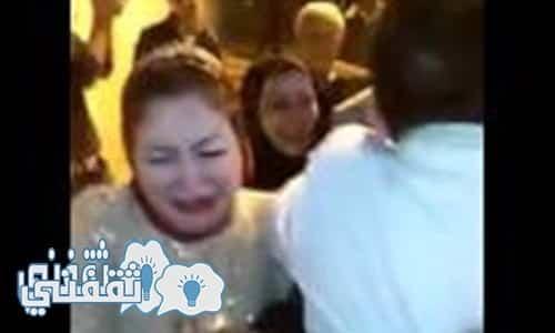 نتيجة بحث الصور عن عريس يفاجئ عروسته ويجعلها تبكي