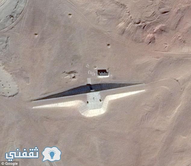 مبنى غيرب في صحراء مصر