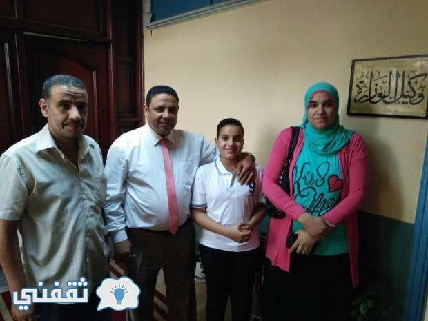 عادل خالد والتداوى وعائلتة