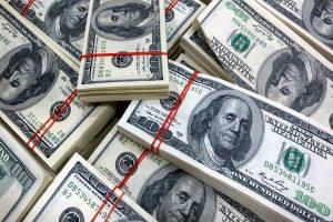 سعر الدولار اليوم ببنك HSBC ومحاولة الدولة إيجاد حلول لوقف ارتفاع سعر الدولار أمام الجنيه للحد من ارتفاع أسعار السلع بالأسواق