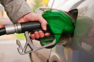 نصائح تهمك لتقليل استهلاك الوقود بعد رفع أسعار المنتجات البترولية