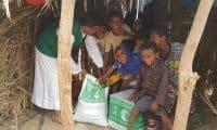 بالصور مساعدات مركز الملك سلمان للنازحين في اليمن