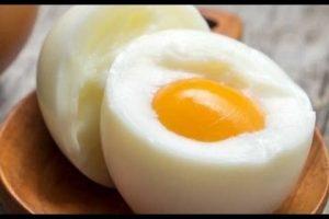 هل تعلم ماذا يحدث لجسمك عند تناول بيضتين يوميا