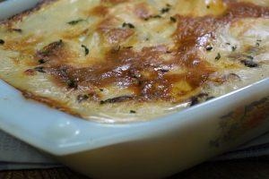 طريقة عمل جراتان البطاطس بالمشروم و الدجاج