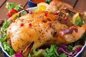 طريقة عمل الدجاج المحشى بصوص دبس الرمان في الفرن مع الأرز بالخلطة