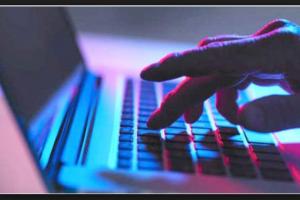 عقوبات رادعة لمن يقم بهذا العمل على مواقع التواصل الاجتماعي