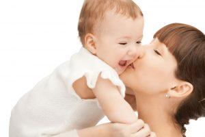 10 أشياء أفعليها كل يوم مع طفلك بعد الولادة