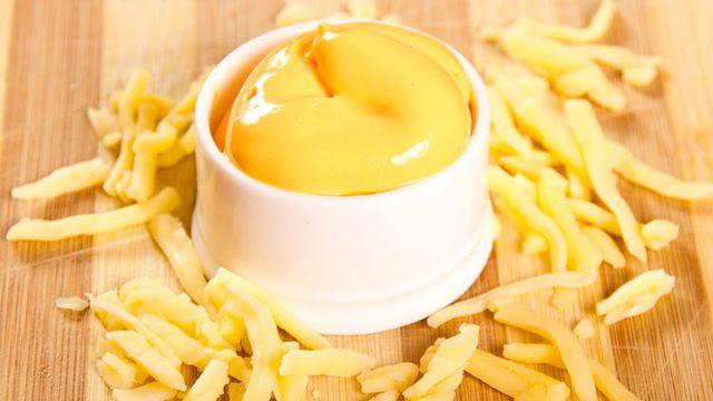 في 5 دقائق طريقة عمل صوص الجبن السائح الذي يقدم في المطاعم الشهيرة