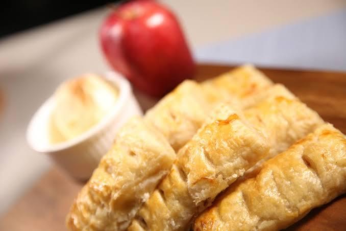 طريقة فطيرة التفاح المقرمشة الذهبية