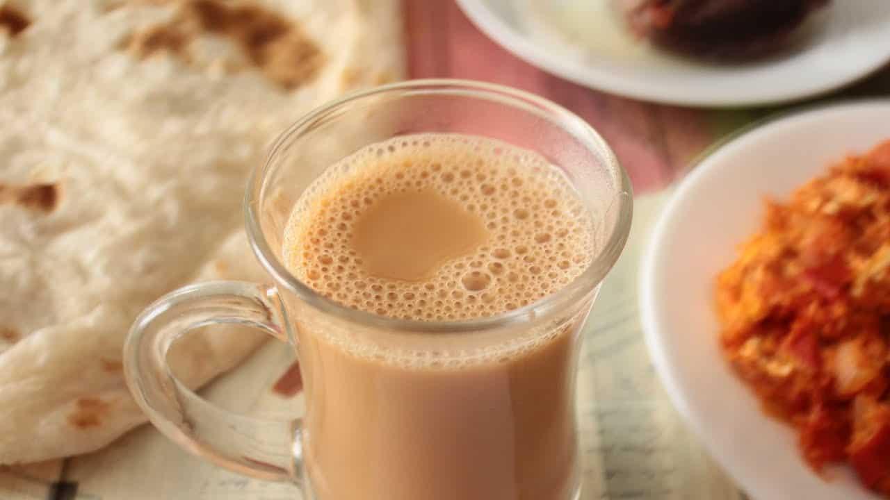 أضرار مشروب الشاي بالحليب