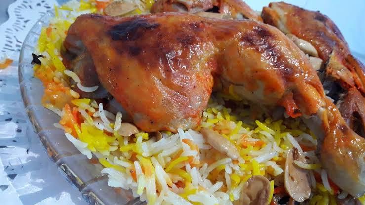 الدجاج الشامي بالزيتون والبصل
