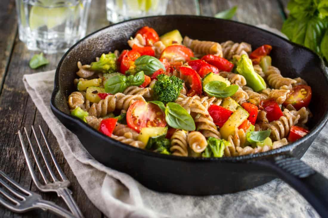 طبق مكرونة بالخضار و أسرع وجبة صحية مغذية