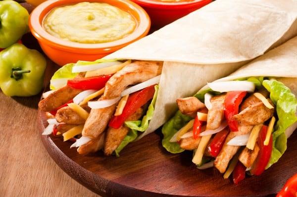 طريقة عمل ساندوتشات فاهيتا الدجاج