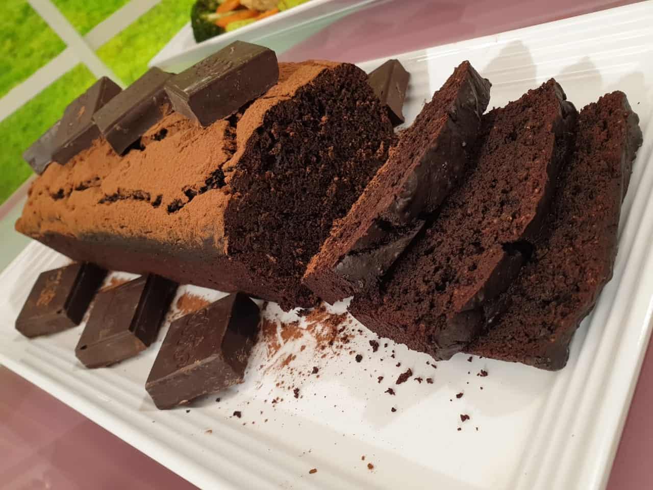 كيكة الشوكولاتة الهشة بدون بيض تصلح للتورتة