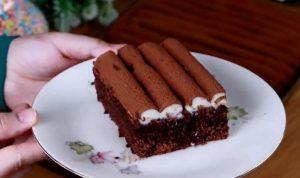 طريقة عمل كيكة الشوكولاتة بالكريمة الاقتصادية بطعم لذيذ وشكل غاية فى الجمال