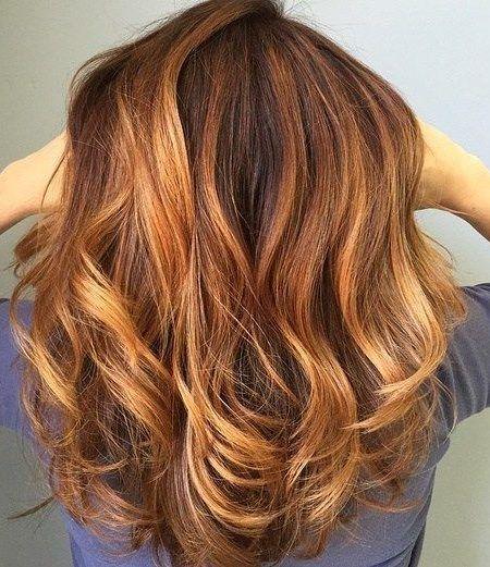 طريقة صبغة شعر بني في البيت بنفسك بدون الحاجة إلى مصفف شعر