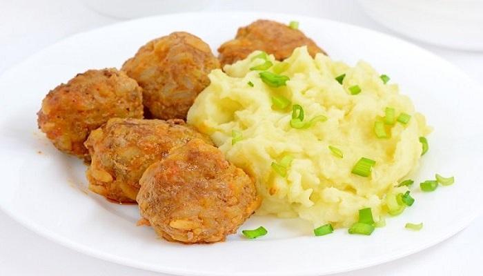 البطاطس البيوريه المقلية