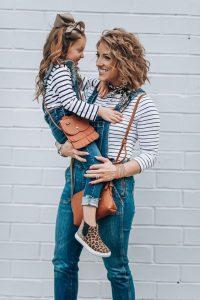 ملابس خروج لكِ ولطفلتك لعمل فوتوسيشن رائع
